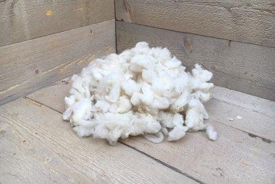 100 gram zachte vulling - gewassen vlokkenwol (wolwit)