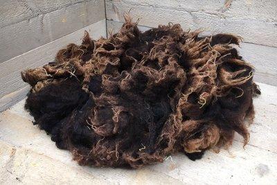1 kilo lamswol - Drents Heideschaap (bruinzwart)